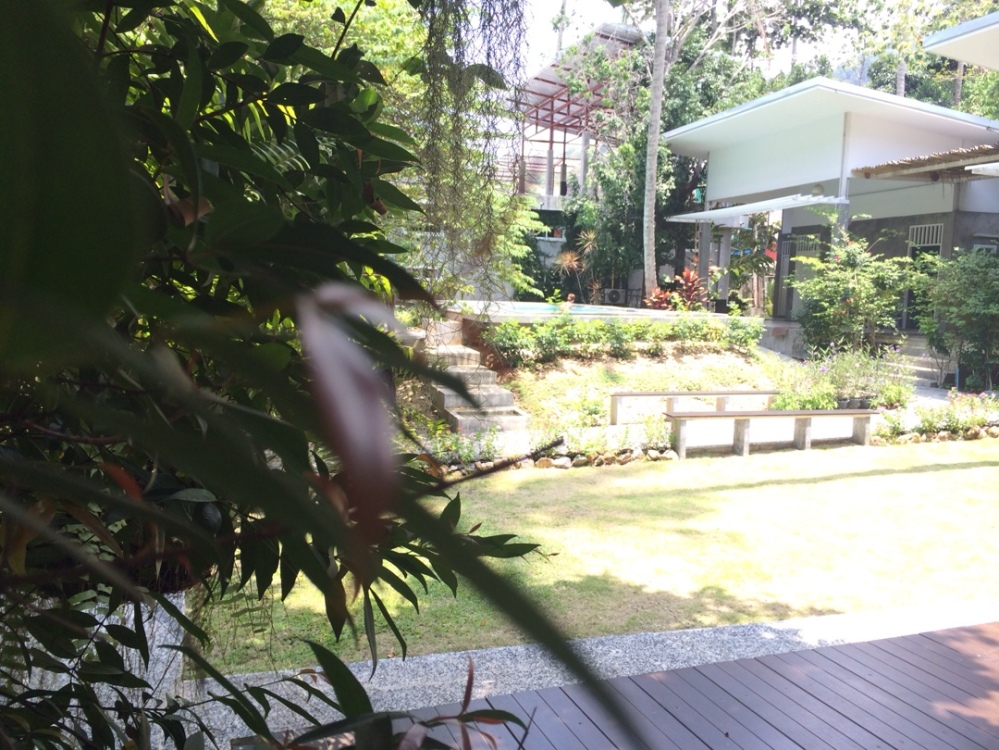Glur hostel with pool in aonang