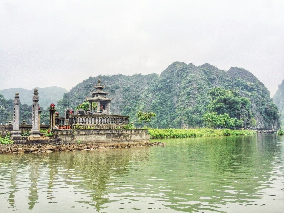 lonely temple in tam coc