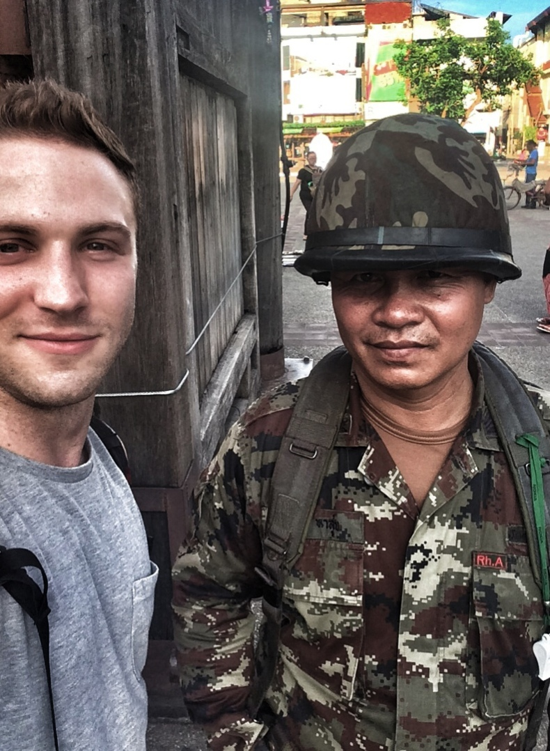 Thailand coup selfie with soldier