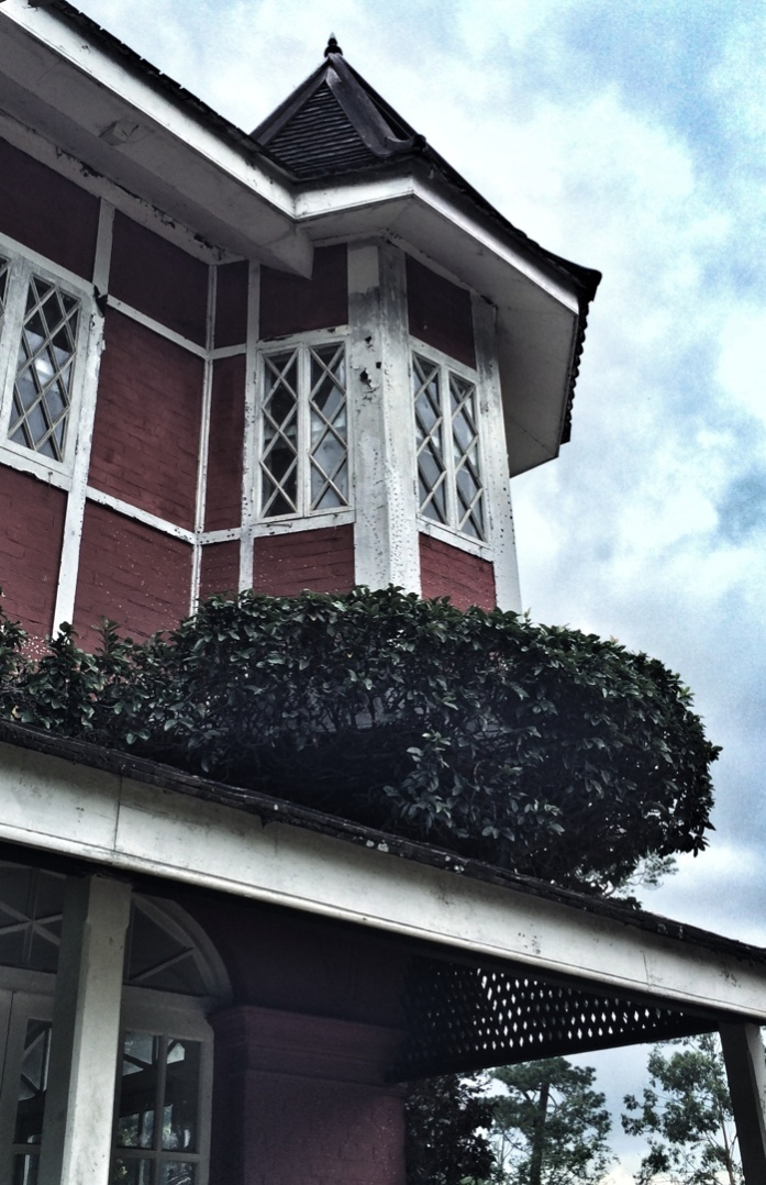 deserted candacraig mansion in pyin oo lwin
